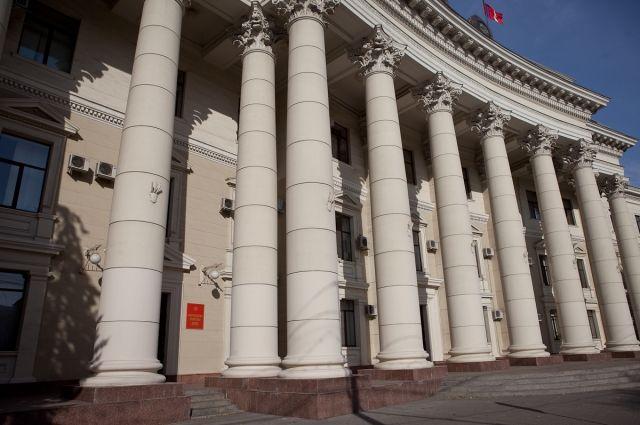 ВВолгоградской области уволят неменее 100 чиновников