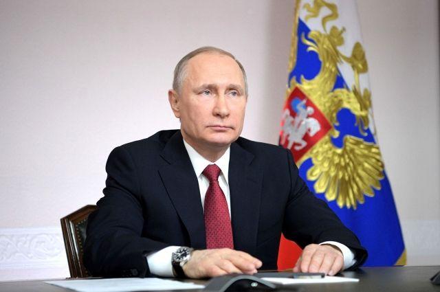 Президент Владимир Путин сократил руководителя республики Удмуртия всвязи сутратой доверия