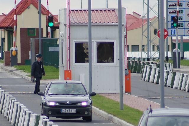 Польша ужесточает паспортный и таможенный контроль на границе.