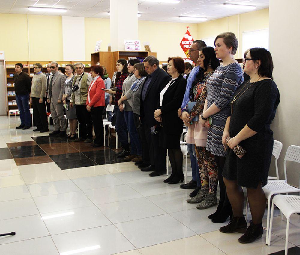 Завершилось открытие минутой молчания в память жертв террористического акта в Санкт-Петербурге