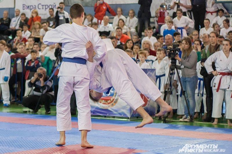 В соревнования приняли участие около 1250 спортсменов