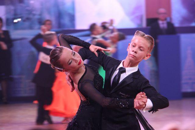 Лучшие танцоры соревновались в Иркутске.