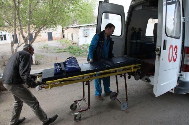 ВОмске больной пытался задушить фельдшера скорой