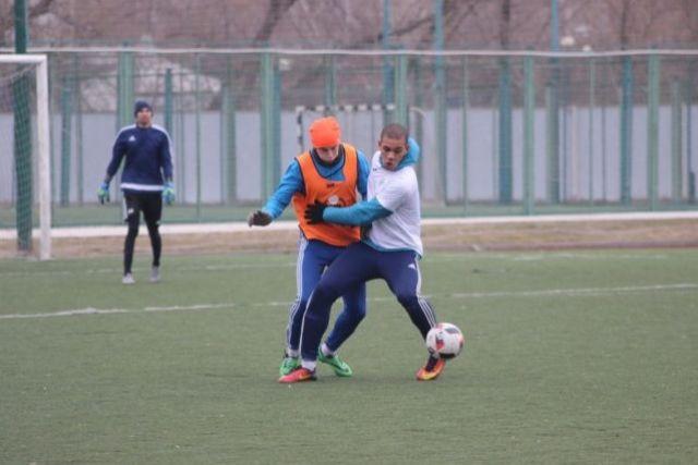 Команда завершает подготовку к первенству России по футболу.