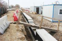 Мытарства жителей начались ещё год назад с разрытых канав.