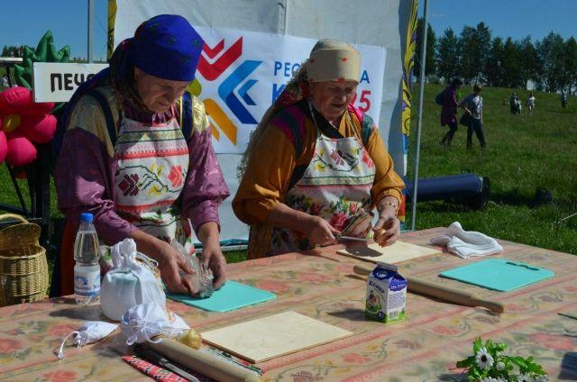 Ежегодно в Бызовой проходит гастрономический фестиваль «Черинянь гаж» - праздник рыбного  пирога.