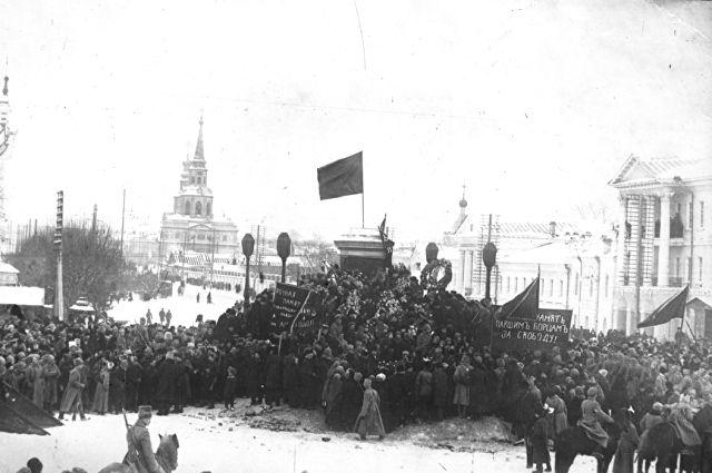 В январе 1918 года власть в Екатеринбурге окончательно перешла в руки большевиков.