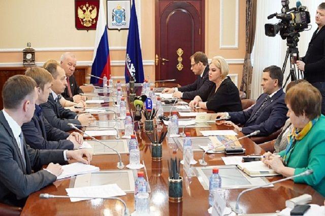 Дмитрий Кобилкин поблагодарил общественников за конструктивную критику.