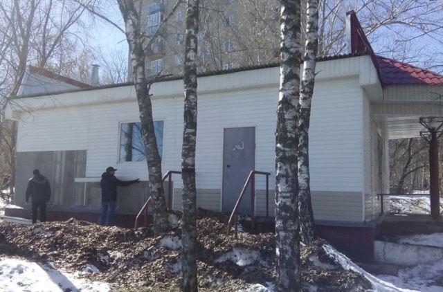 Суд вынес решение о сносе здания еще в 2009 году.
