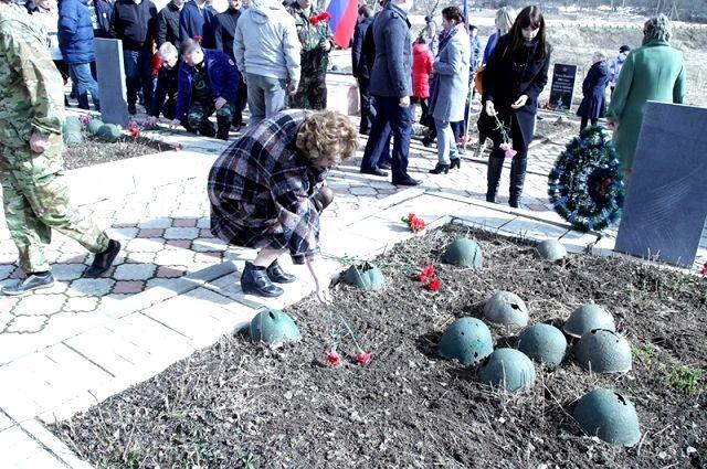 Участники обсудят, как увековечить память погибших при защите Отечества.