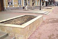 На ул. Ленина началась замена плиток по гарантии.