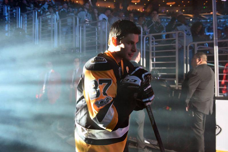 Сидни Кросби (Канада, «Питтсбург Пингвинз»). Двукратный обладатель Кубка Стэнли, олимпийский чемпион, чемпион мира, лучший бомбардир НХЛ текущего сезона.