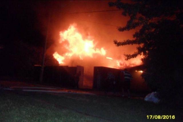 Мужчина умер напожаре вНовосибирской области