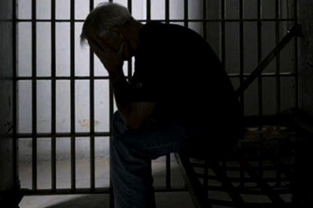 Гражданин Куртамышского района убил своего отца, адоэтого супругу