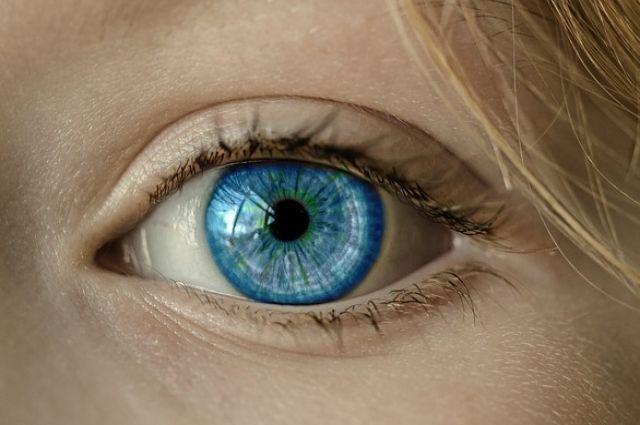 Контактные линзы позволяют сделать цвет глаз ярче или изменить его.