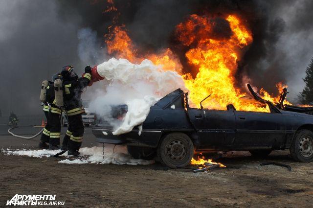 ВКурской области всгоревшем ВАЗе обнаружили труп женщины