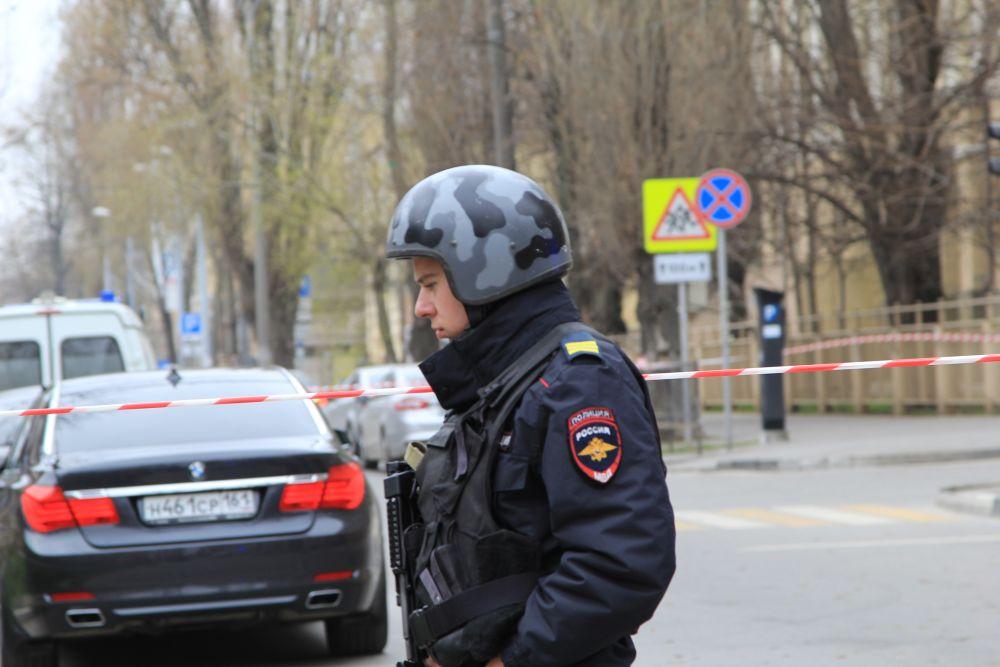 ЧП произошло на пересечении улиц Социалистической и Нахичеванской.