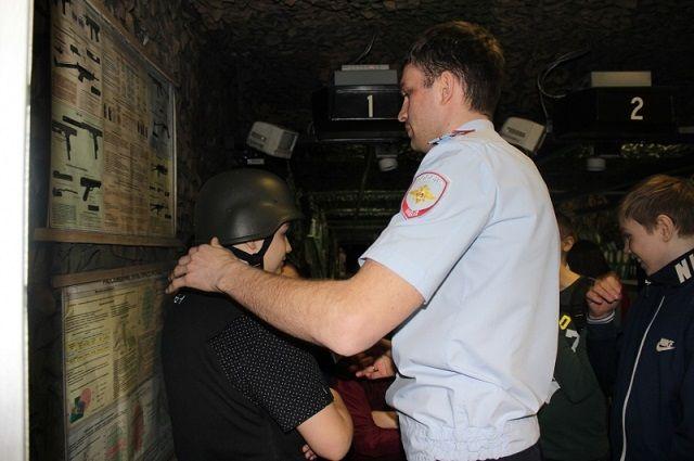 Полицейские рассказали салехардским школьникам о своих буднях.