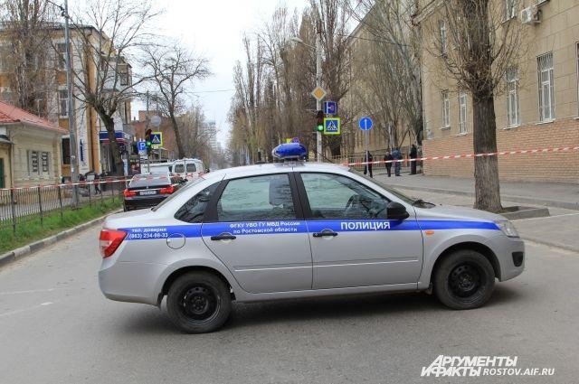 Возле школы №5 в Ростове-на-Дону произошёл взрыв, от которого пострадал один человек.
