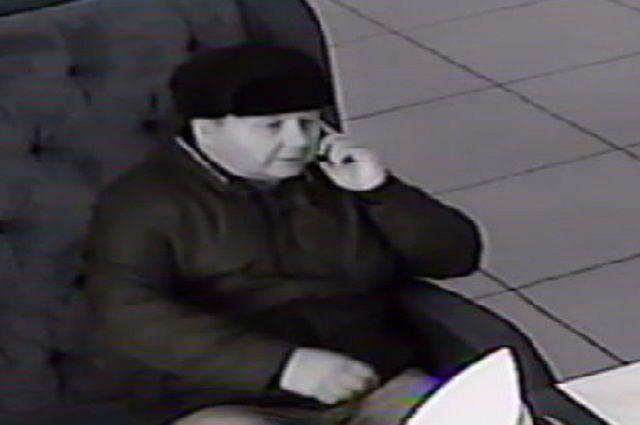 В Губкинском разыскивают мошенников, обманувших управляющую рестораном.