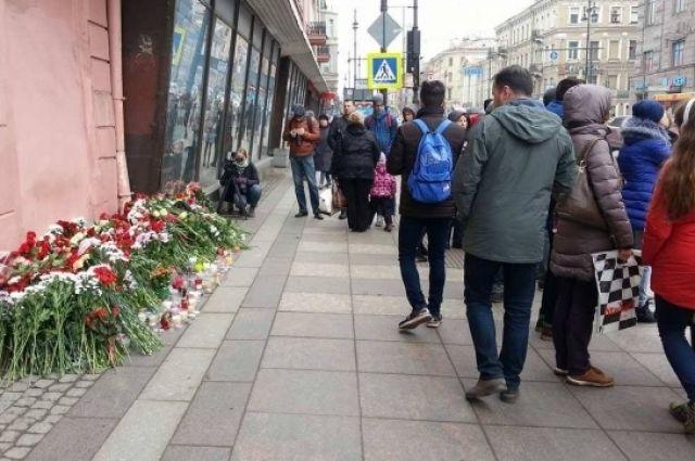 Семьи погибших при теракте вПетербурге получат приблизительно по5 млн руб.