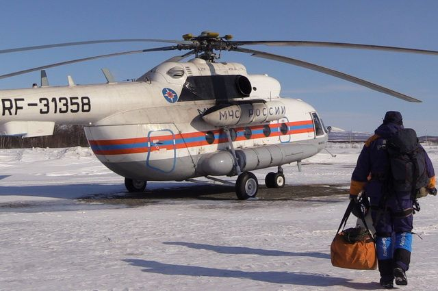 Вертолет останется на территории области на период пропуска ледохода.