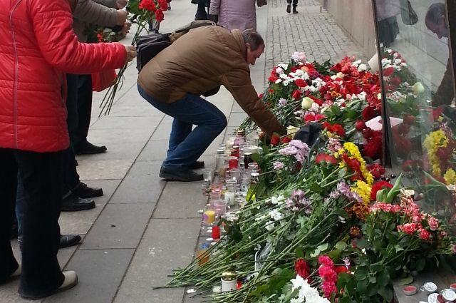 НаСоборной площади пройдет панихида пожертвам теракта вПетербурге
