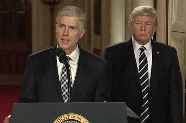 Нил Горсач утвержден членом Верховного суда США