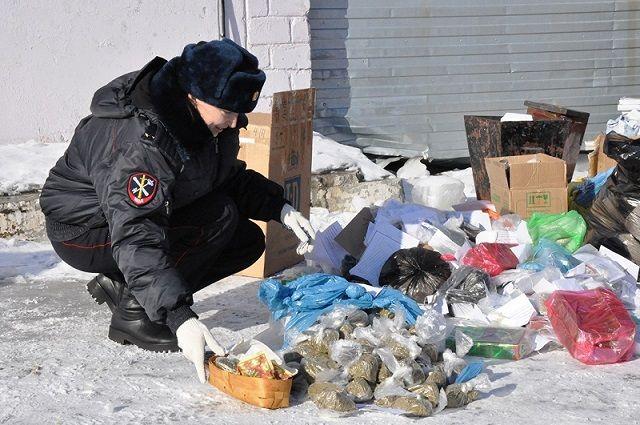 В Новом Уренгое полицейские уничтожили вещественные доказательства.