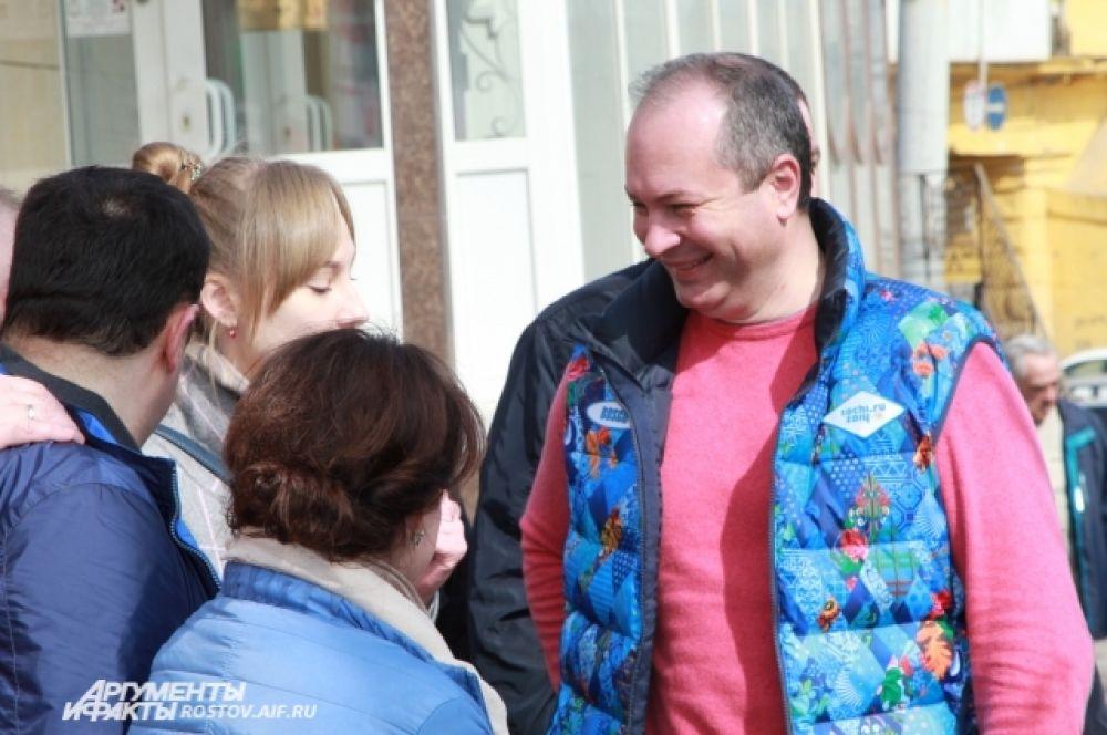 Глава администрации города Виталий Кушнарёв остался доволен выполненной работой ростовчанами.