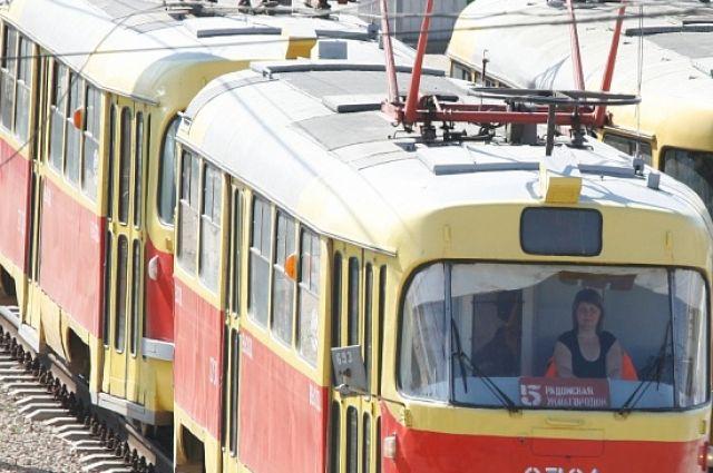 ВСамаре кондуктор ипассажирка трамвая устроили драку из-за транспортной карты