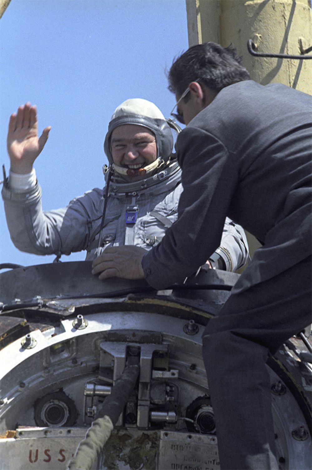 Бортинженер космического корабля «Союз-26» Георгий Гречко на занятиях в Центре подготовки космонавтов имени Ю.А. Гагарина. 1977 год.