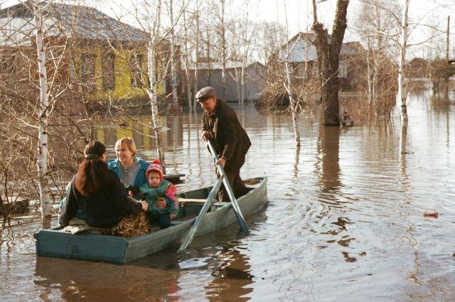 ВКурманаевском районе паводок отрезал село Егорьевка отбольшой земли