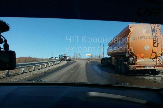 В страшной автокатастрофе под Красноярском умер мужчина и2-летний ребенок