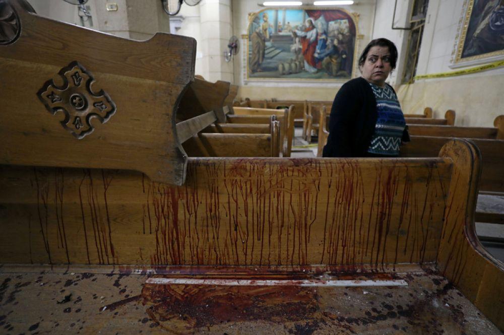 Террорист-смертник подорвался в церкви во время праздничного богослужения.