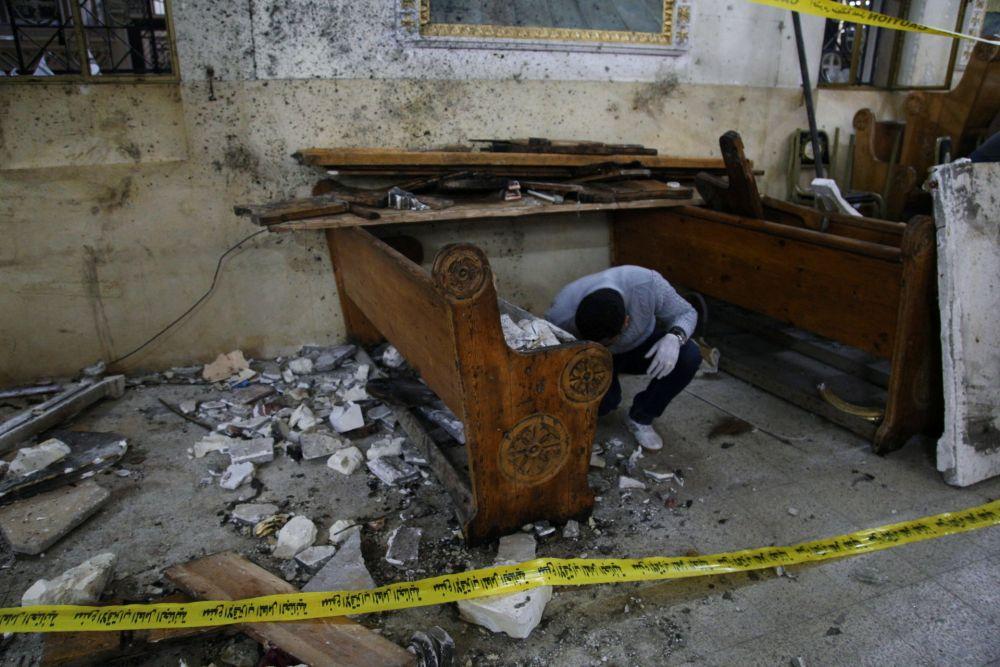 Последствия взрыва в церкви Мар-Гиргис в Танте.