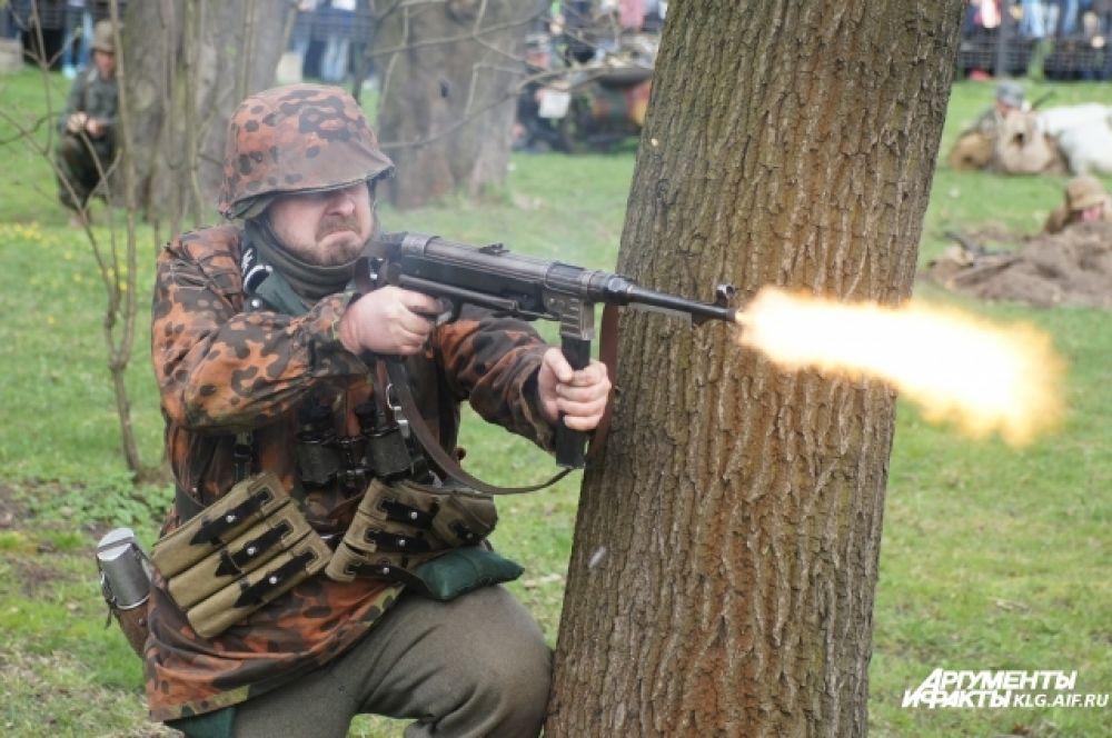 Немецкий гарнизон состоял из шести дивизий.