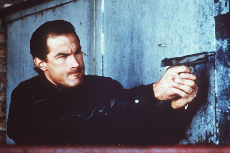 В 1988 году Стивен снялся в фильме «Над законом», в сценарий которого были включены реальные аспекты жизни актёра.