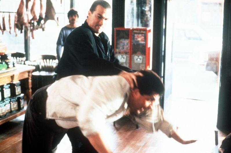 В 1991 году на экраны вышел боевик «Во имя справедливости», в котором Сигал сыграл детектива Джино Фелино.