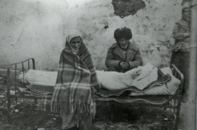 После депортации чеченцев в Казахстан, чеченцы жили компактными посёлками и работали на различных предприятиях Казахстана.