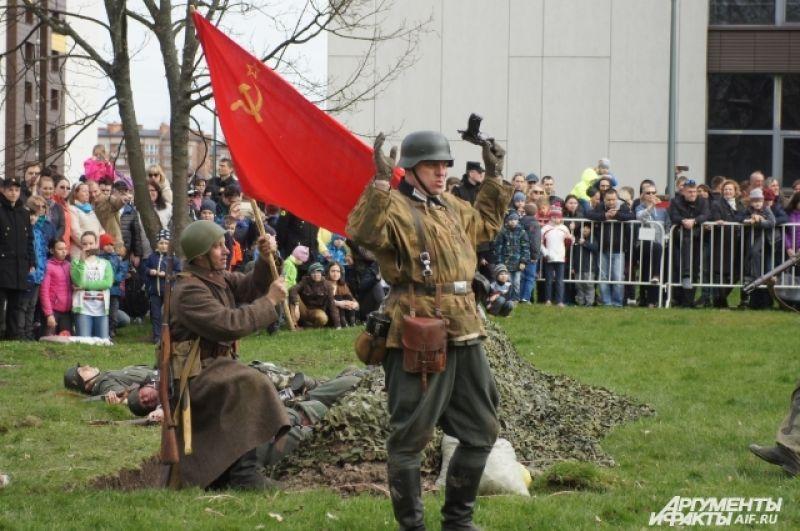 По оценкам историка БФУ им.И.Канта Геннадия Кретинина, в плен попало 70,5 тысяч немецких военнослужащих.