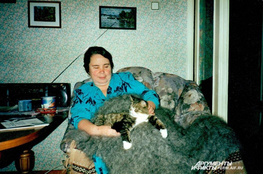 Участник № 23. Тётя Оля и 18-летняя кошка Маруся