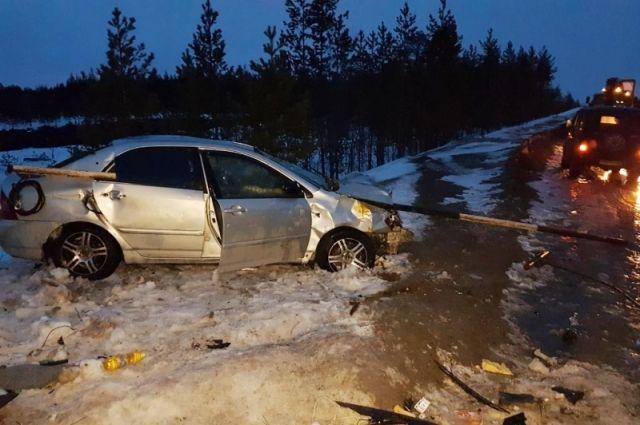 Водитель получил травмы.