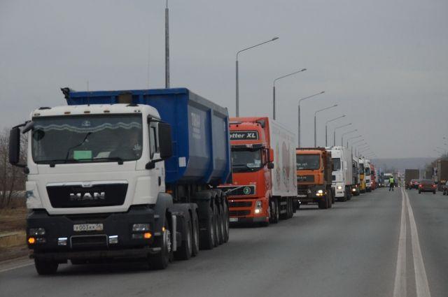 Дороги Челябинской области закроют для большегрузов