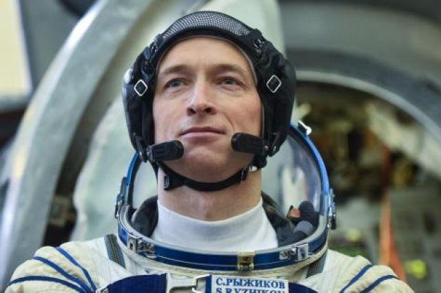 Сергей Рыжиков -  командир космического корабля «Союз МС-02».