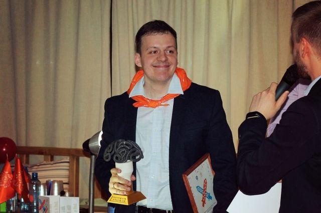 Победитель научного боя - Дмитрий ДРУЗЬ, он же начальник производственного отдела ГХК.