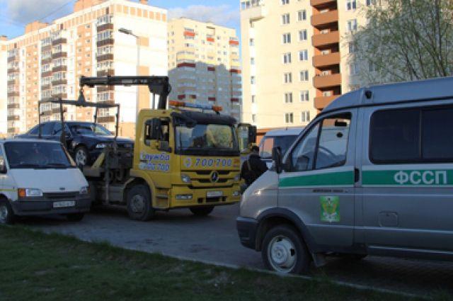 Приставы арестовали 61 машину калининградских водителей-должников.