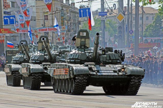 В Калининграде начались репетиции военного парада Победы.