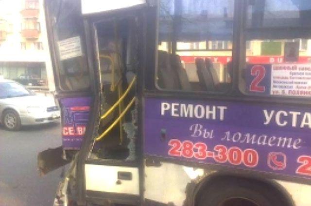 ВЯрославле вДТП с 2-мя автобусами пострадали ребенок ибеременная женщина