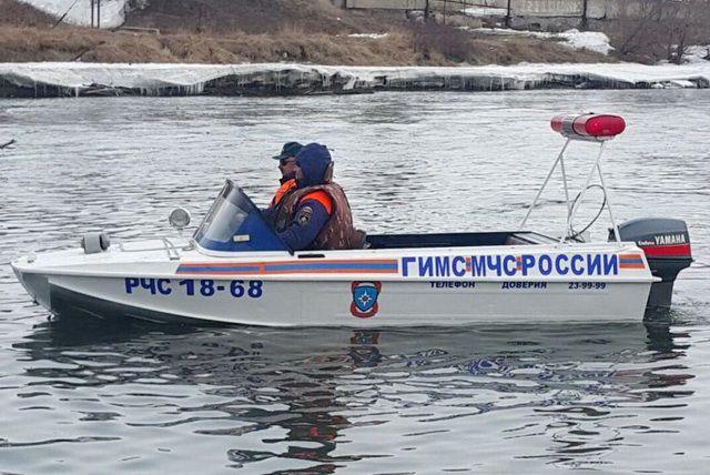 Вселе Мосты через реку Большой Иргиз организована переправа 2-мя лодками
